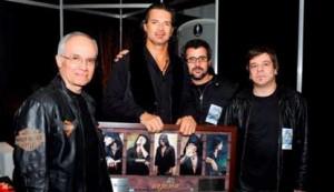 Arjona recibió disco de Triple Platino en Argentina