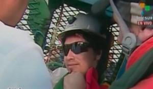 Minero subió en la cápsula escuchando a Ricardo Arjona