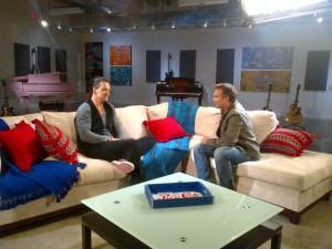 Ricardo Arjona entrevista con Harris Whitbeck
