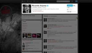 Ricardo Arjona con más de 8 millones de fans en Facebook y más de 2 millones de followers en Twitter