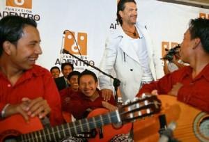 Ricardo Arjona y fundación construirán una escuela de artes en Guatemala