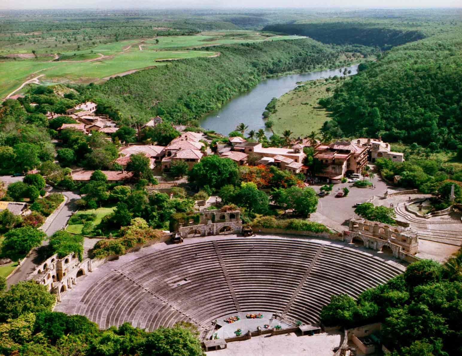 Anfiteatro Altos de Chavon Ricardo Arjona