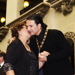 Fallece madre de Ricardo Arjona