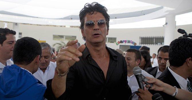 Ricardo Arjona Adentro3