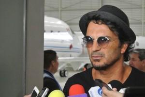 Ricardo Arjona ya está en México para dar inicio al Tour Viaje