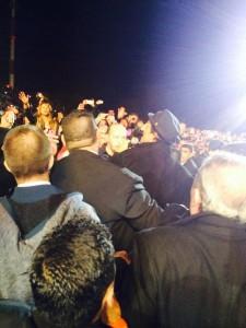 Ricardo Arjona se baja del escenario a saludar a sus fans en Argentina