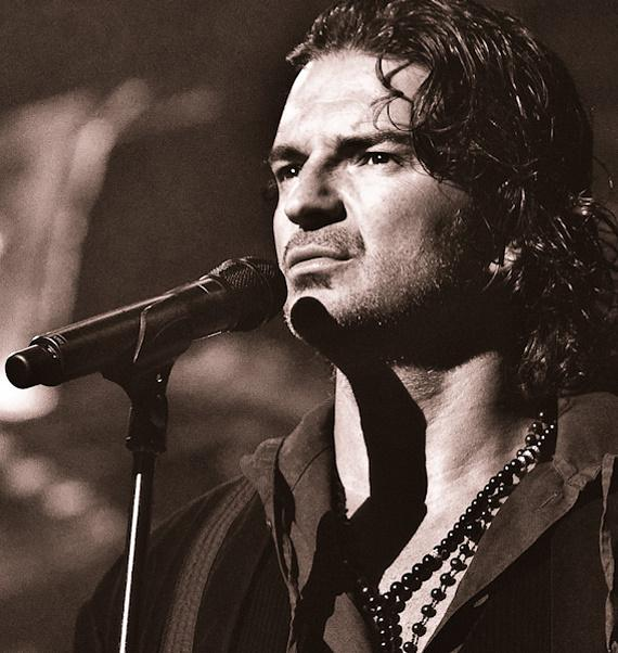 Fragmentos de Ricardo Arjona en Houston