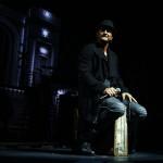 Ricardo Arjona cautiva y sorprende a su público en el Auditorio Nacional