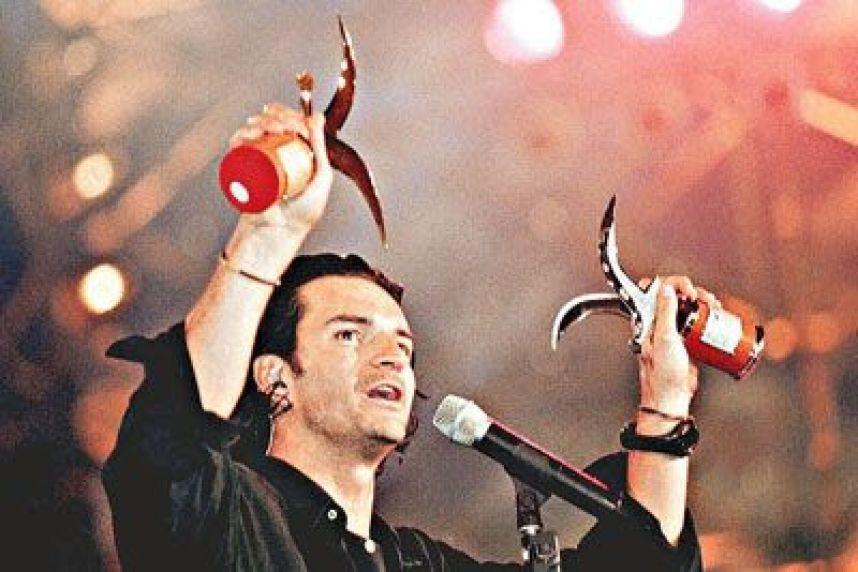 Ricardo Arjona: Canción a Viña del Mar (2001)