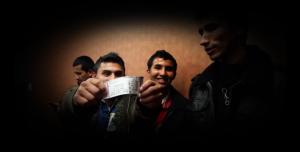 Ricardo Arjona sorprende a jóvenes de NPHI