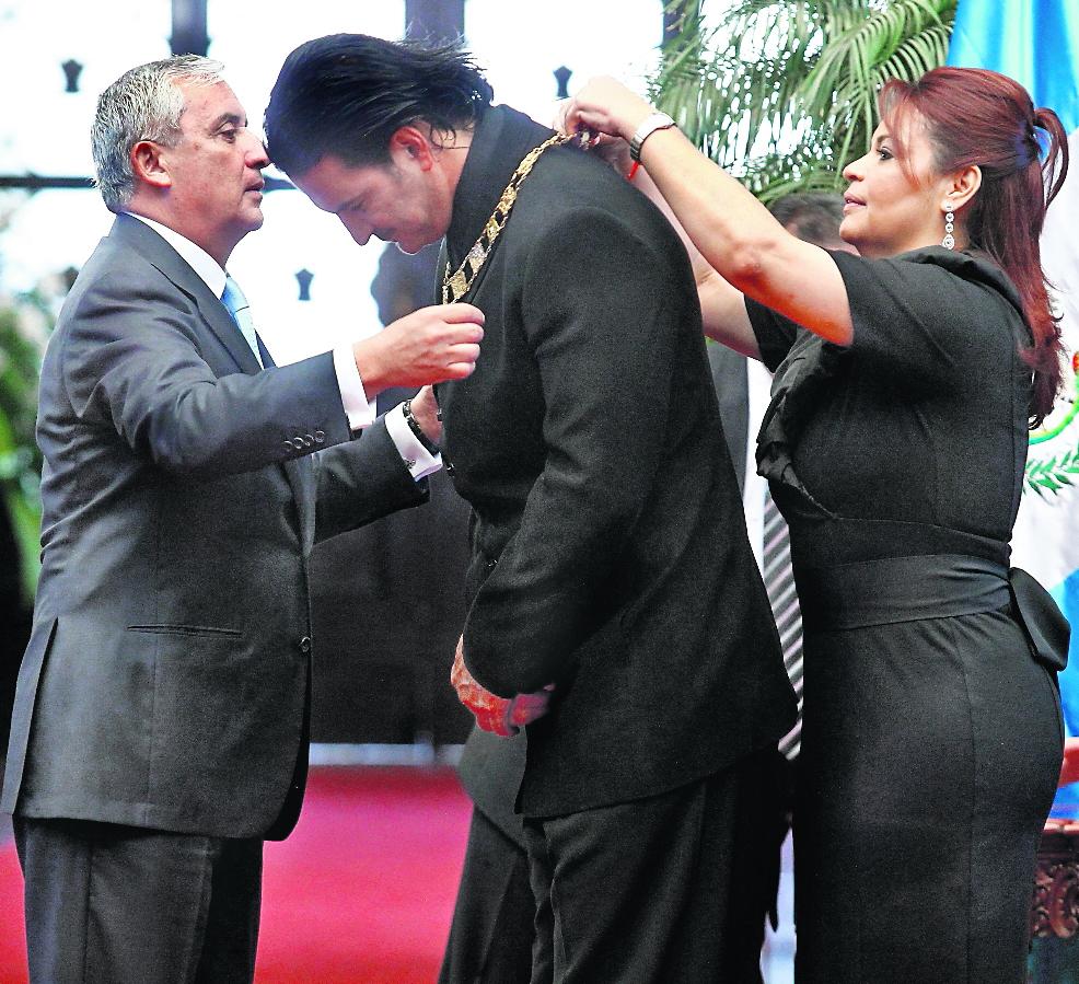 Ricardo Arjona y Otto Perez Molina