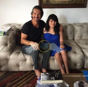 Ricardo Arjona cumple el sueño de una de sus fans